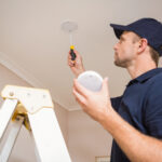 change carbon monoxide detector batteries